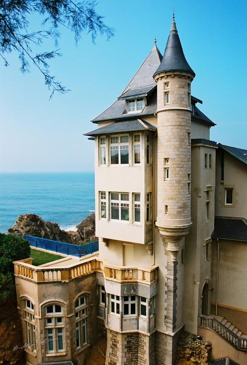 Cliffside in Biarritz